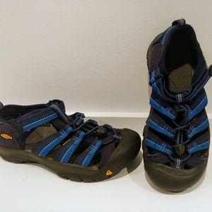 KEEN washable dark blue sandals